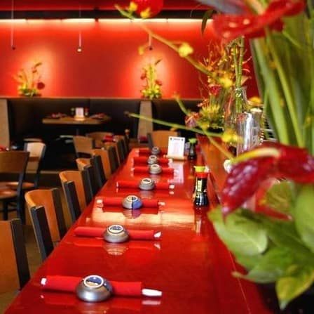 Guest Post: How To Get Deals When You Dine Out