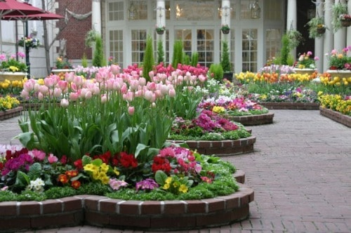 How Making a Raised Flower Bed Garden Can Improve Your Yard